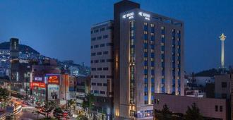 Hound Premier Nampo - Busán - Edificio