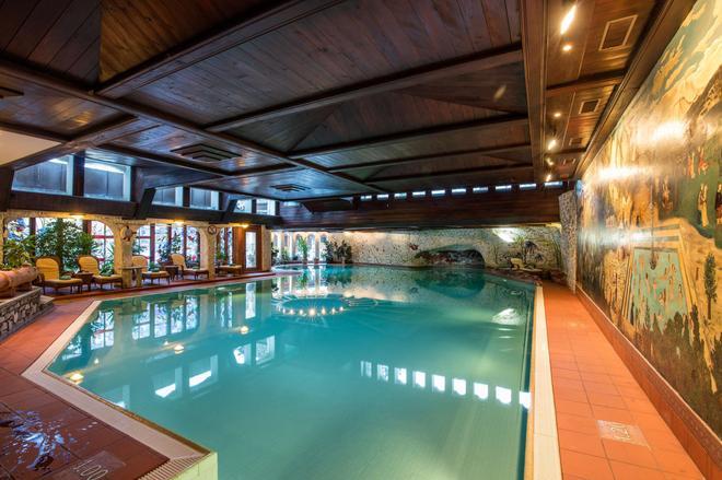 Resort Hotel Alex - Zermatt - Uima-allas