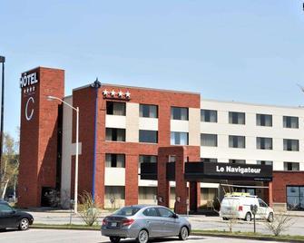 C Hôtels Le Navigateur - Rimouski - Building