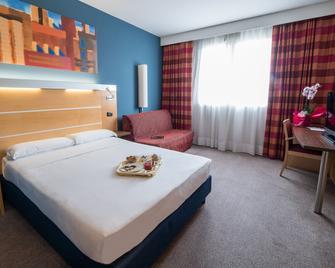 Idea Hotel Torino Mirafiori - Турин - Спальня
