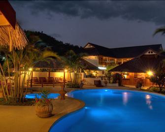 Maekok River Village Resort - Mae Ai - Zwembad