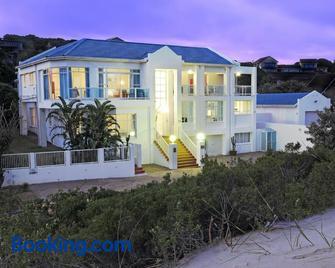 A Villa de Mer Guesthouse - Port Alfred - Gebouw