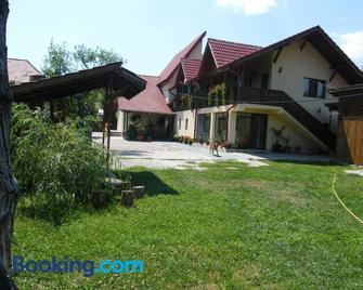 Pensiunea Casa Filoxenia - Horezu - Gebouw