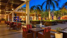 Crowne Plaza Gurgaon - Gurugram - Restaurant