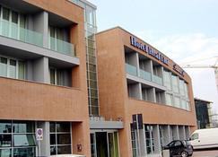 Hotel Real Fini Baia Del Re - Μοντένα - Κτίριο