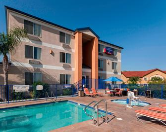 Fairfield Inn Santa Clarita Valencia - Santa Clarita - Edificio