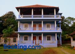 Avalon Inn - Mandrem - Building
