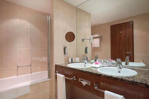 Dorint Hotel am Dom Erfurt - Erfurt - Phòng tắm