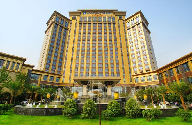 Wyndham Grand Plaza Royale Palace Chengdu - Chengdu - Gebäude