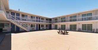 Motel 6 Barstow - Ca - Route 66 - Barstow - Building
