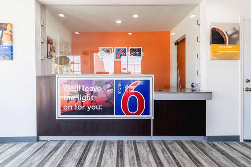 Motel 6 Barstow - Ca - Route 66 - Barstow - Front desk