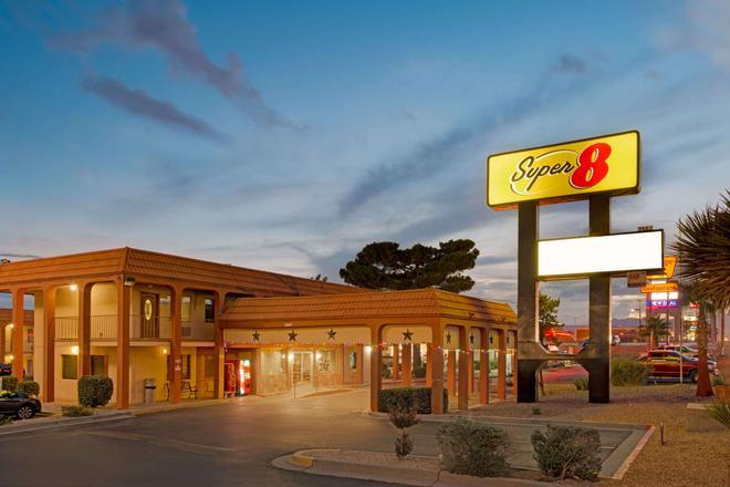Super 8 El Paso Airport - El Paso - Building