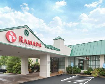 Ramada by Wyndham Ellsworth - Ellsworth - Building