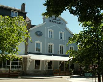 Cocoon Hotel Grenier Des Grottes - Han-sur-Lesse - Building