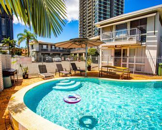 Tropicana Motel - Mermaid Beach - Pool