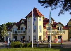 Hotel Ostseeblick - Karlshagen - Building