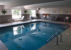 Country Inn & Suites by Radisson, Fairborn S, OH - Fairborn - Uima-allas
