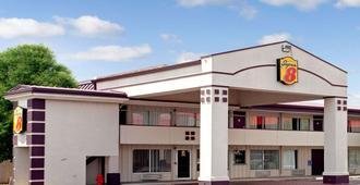 Super 8 by Wyndham Oklahoma/Frontier City - Oklahoma City - Gebäude