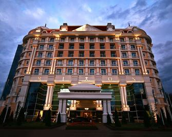 Rixos Almaty Hotel - Almaty - Gebäude