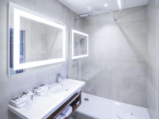 布列塔尼雷恩廣場美居酒店 - 雷恩 - 雷恩 - 浴室