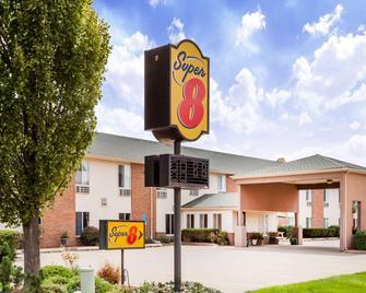 Super 8 by Wyndham Pekin/Peoria Area - Pekin - Edificio