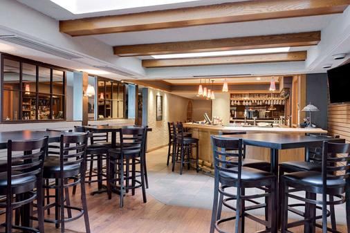Ramada by Wyndham Pinewood Park Resort North Bay - North Bay - Bar