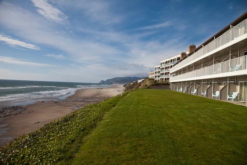 The Coho Oceanfront Lodge - Lincoln City - Beach