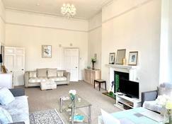 Grosvenor Apartments - Bath - Huiskamer