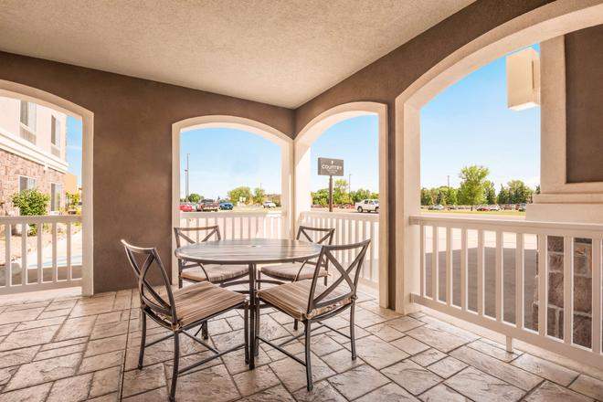 Country Inn & Suites by Radisson Minot, ND - Minot - Parveke