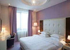 Crystal Hotel Belgrade - Belgrade - Bedroom