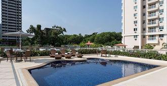 里約奧林匹克公園品質酒店 - 里約熱內盧 - 里約熱內盧 - 游泳池