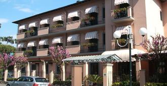 Hotel Astor Victoria - Forte dei Marmi - Bygning