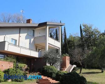 Villa Freschìa - Minturno - Gebäude