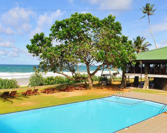Koggala Beach Hotel - Koggala - Bazén