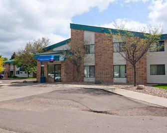 Motel 6 Minneapolis South Lakeville - Lakeville - Building