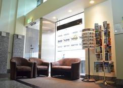 Adara Franklin - Melbourne - Lobby