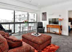 Downtown Auckland Furnished Apartments - Auckland - Living room