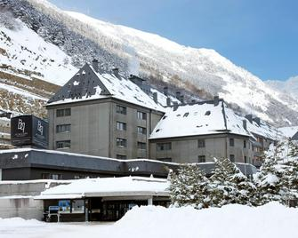 Hotel AC Baqueira Ski Resort, Autograph Collection - Naut Aran - Building