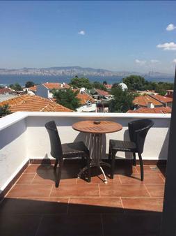 Ada Antik Otel - Istanbul - Balcony