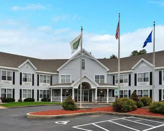 Quality Inn & Suites - Shawano - Building