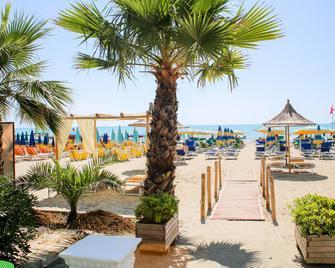 Hotel Bella Vista - Durrës - Edificio