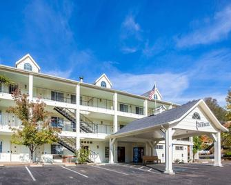 Quality Inn Yosemite Valley Gateway - Mariposa - Building