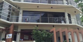 Inngo Tourist Inn - El Nido - Toà nhà