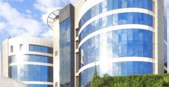 Peninsula Grand Hotel - Μουμπάι - Κτίριο
