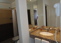 Ayekan Apart Hotel - Villa Carlos Paz - Kylpyhuone