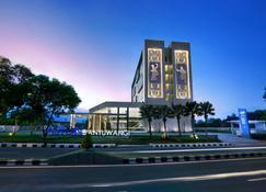 Aston Banyuwangi Hotel & Conference Center - Banyuwangi - Building