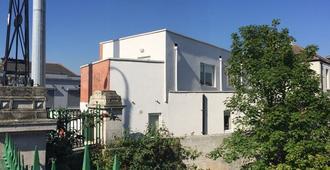 Pia House - Dublin - Outdoors view