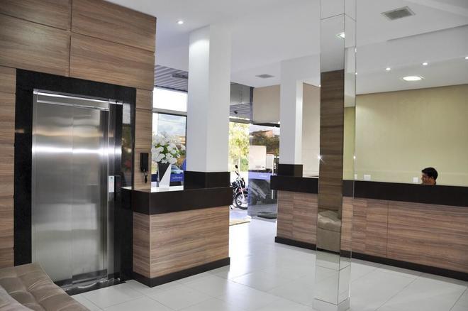 Gran Norte Hotel - Salinas - Front desk