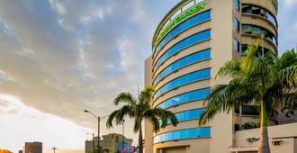 Wyndham Garden Guayaquil - גואיאקיל