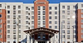 Staybridge Suites Indianapolis Downtown-Convention Center - Indianápolis - Edificio